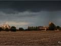 Regenbuien boven Loowaard | Canon EF 70-200 mm. f/4 121 mm. f/4,5 ISO400 0,8 sec.