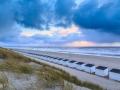 Texel Paal 17 gezien vanaf de duinen boven de strandhuisjes!a
