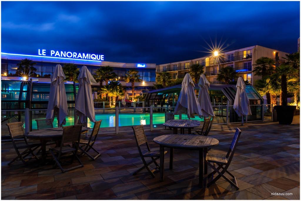 West Hotel tijdens het blauwe uur in Nantes