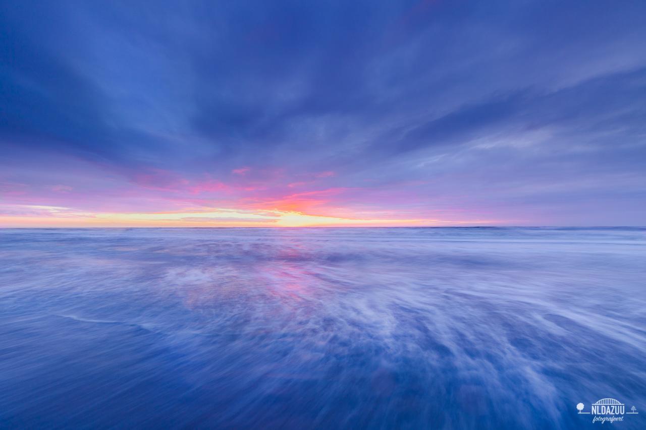 Noordwijk aan Zee tijdens het begin van het blauwe uur