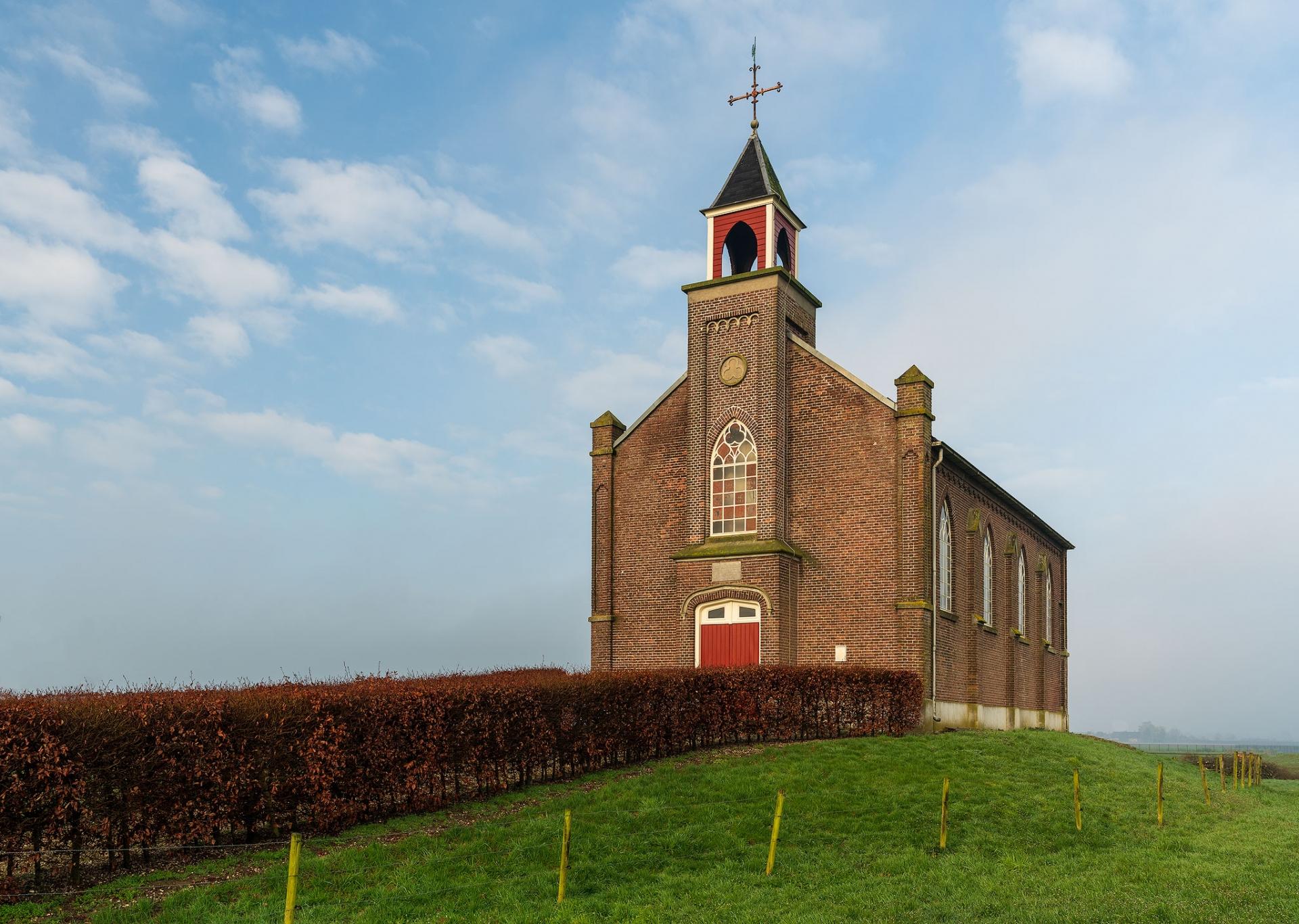 Pittoreske kerkje van Homoet, Over Betuwe