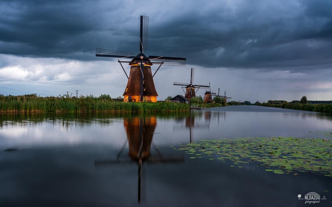 Fotograferen op Kinderdijk met de molens verlicht